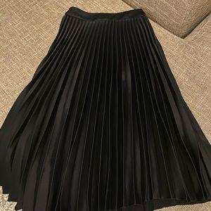 H&M Pleated Midi Skirt